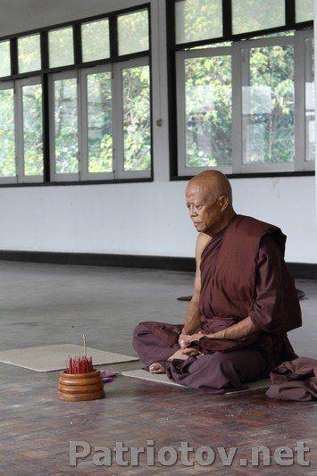 Лечение наркомании в монастыре лечение алкоголизма курения довженко